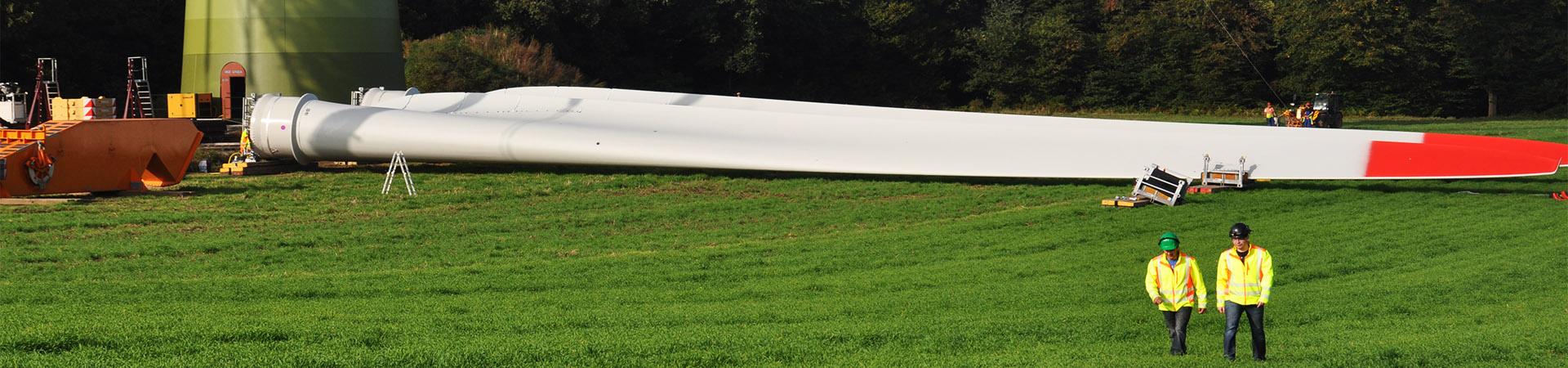 aufbau-windenergieanlage-techniker-sl-naturenergie