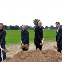 v.l.: Klaus Schulze Langenhorst (SL Windenergie), Andreas Mai (Kämmerer Stadt Rees / Geschäftsführer Stadtwerke Rees), Christoph Gerwers (Bürgermeister Rees), Ulrich Schmidt (GLS Gemeinschaftsbank)