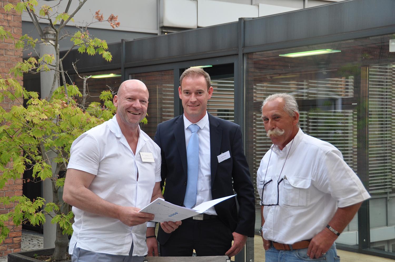 v:L.: Jürgen Pommerenke (Sl NaturEnergie), Ingo Schmidt (Velden GmbH), Wolfgang John (Flixenergy)