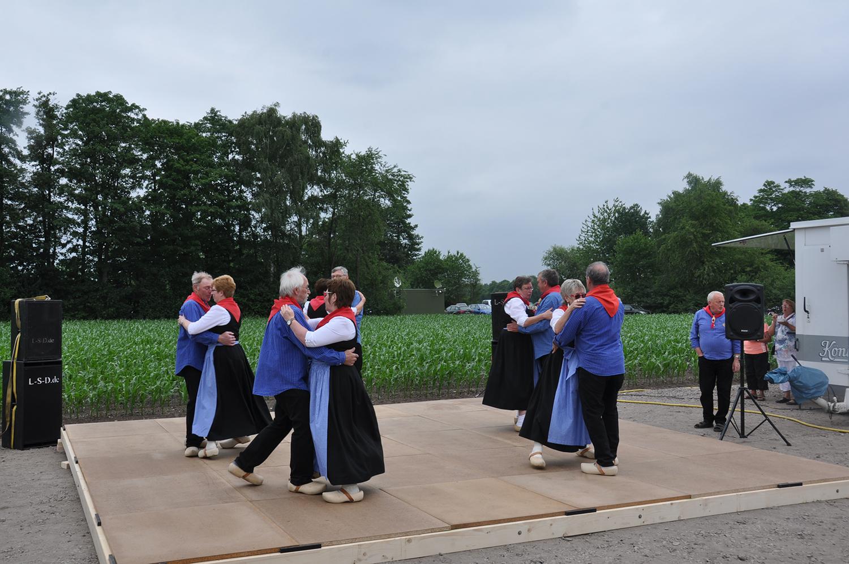Für das Rahmenprogramm sorgte die Erntegruppe des Heimatvereins Weselerwald und Umgebung.